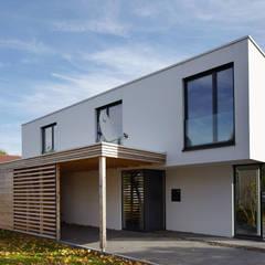 Eingangsbereich Moderne Häuser von pier7 architekten gmbh Modern