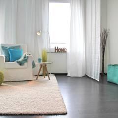 Home Staging leere Immobilie Maisonette-Wohnung:  Ankleidezimmer von raumwerte Home Staging