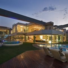 Glass House :  Houses by Nico Van Der Meulen Architects