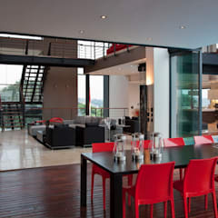 House Lam :  Dining room by Nico Van Der Meulen Architects
