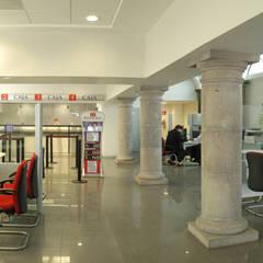 辦公大樓 by Mezzanine Arquitectura, 殖民地風
