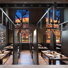 Nhà hàng by Estudi Josep Cortina