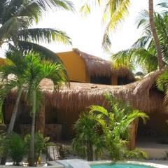 Hoteles de estilo  por sandro bortot arquitecto