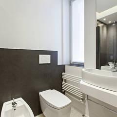 #1 Dream Apartment #Milano: Bagno in stile  di Arch. Andrea Pella