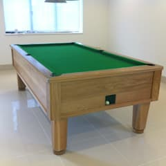8ft solid oak English pool table:  Living room by John Bennett (Billiards) Ltd