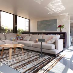 Casa PN: Salas de estilo  por ZD+A, Moderno