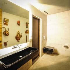 Casa Narigua : Baños de estilo  por P+0 Arquitectura, Rústico