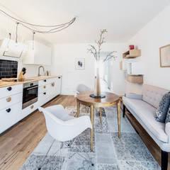 DUESSELDORF MODEL APARTMENT:  Küche von edit home staging