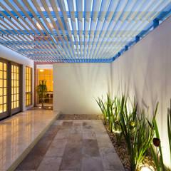 RESIDENCIA R: Casas de estilo  por ARQUITECTURA EN PROCESO, Moderno