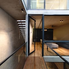 Well of Light:  Windows by HYLA Architects,Modern