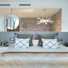 El mar en casa: Dormitorios de estilo  de Molins Design