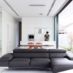 Natural Geometry:  Houses by HYLA Architects,Modern