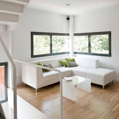 Living room by hollegha arquitectos
