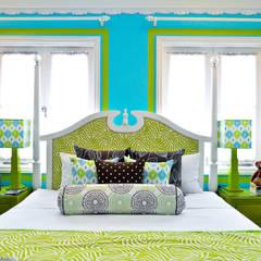 ห้องนอน by Design Intervention