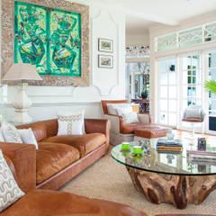 International Prop Award Winner-Best Interior Design Singapore 2013:  Living room by Design Intervention