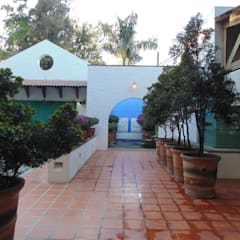 Huerta en Tesistán: Casas de estilo  por Taller Luis Esquinca