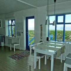 Offenes Wohnen  :  Esszimmer von Büro für Solar-Architektur