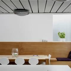 La Concha:  Dining room by JAMIE FALLA ARCHITECTURE,