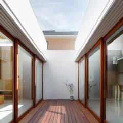 イドコロ: ma-style architectsが手掛けた廊下 & 玄関です。