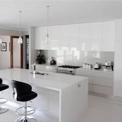 White Kitchen: Kitchen By Home Makers Interior Designers U0026 Decorators Pvt.  ...