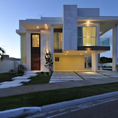 Casa Contemporânea: Casas modernas por Espaço Cypriana Pinheiro