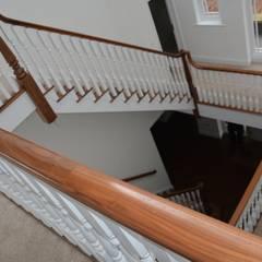 Hardwood:  Corridor & hallway by Sovereign Stairs