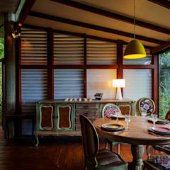 Dining room by Ferraro Habitat