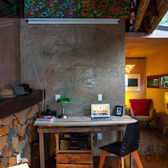 Casa da Floresta: Escritórios  por Ferraro Habitat