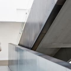 راهرو by Hudson Architects
