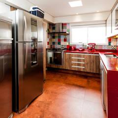 Nhà bếp by Tikkanen arquitetura