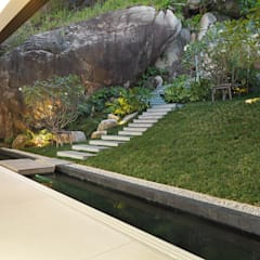 Villa Amanzi:  Garden by Original Vision