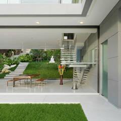 Villa Amanzi:  Living room by Original Vision