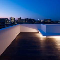 ระเบียง, นอกชาน by ハイランドデザイン一級建築士事務所