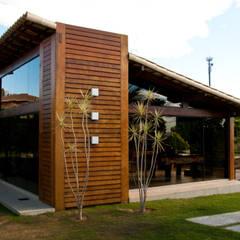 Houses by NATALIE TRAMONTINI ARQUITETURA E INTERIORES