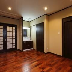 もてなしの家・和のエスプリを継ぐ家: やまぐち建築設計室が手掛けた浴室です。