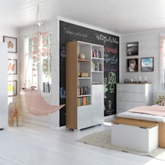 classic Nursery/kid's room by Möbelgeschäft MEBLIK
