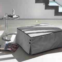 BILL: Camera da letto in stile  di Milano Bedding,