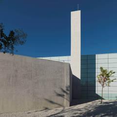 Pabellon de deportes Alcobendas (Madrid): Estadios de estilo  de Aguinaga y Asociados Arquitectos, S.L.P.