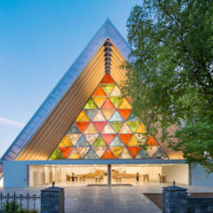 ​Cardboard Cathedral Christchurch Rooms by 坂茂建築設計 (Shigeru Ban Architects)