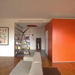 BLOCCO DI COLORE: Case in stile in stile Moderno di Giulietta Boggio archidesign