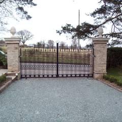 Wrought Iron Metal Gates:  Garden by Unique Landscapes