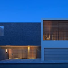 Lucent Court House: Atelier Squareが手掛けた家です。,