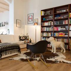 Living Room Loftstyle:   von Rasa en Détail