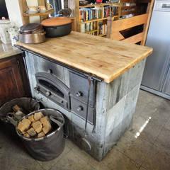 RISTRUTTURAZIONE EDIFICIO RURALE: Cucina in stile  di zanella architettura