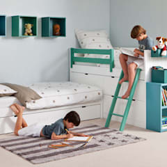 Nursery/kid's room by Sofás Camas Cruces, Modern