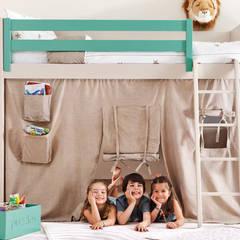 Litera con zona de juegos bajo la cam: Dormitorios infantiles de estilo  de Sofás Camas Cruces