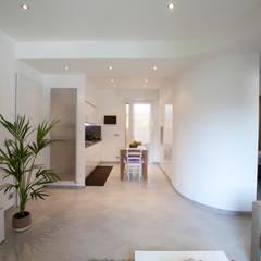 Corridor & hallway by Studio_P - Luca Porcu Design, Minimalist
