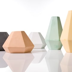 Korridor coloured concrete candleholder: modern  by An Artful Life, Modern