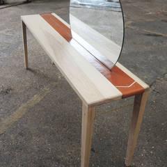 Sunrise Table:  Bedroom by EK Design