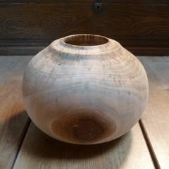 Vase en bois tourné : Art de style  par veltz ébénisterie